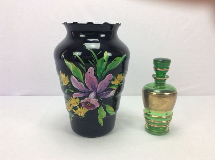 Booms glass - Black hyalite vase with floral decoration and decanter in green glass with gilding