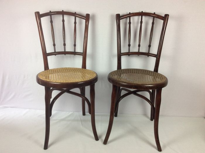 Thonet - Two Art Nouveau chairs -tagged and branded, Austria, circa. 1900