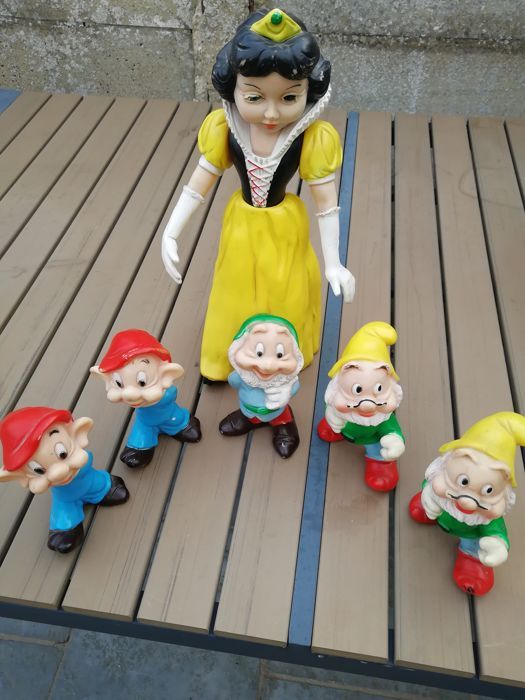 Disney - 6 poppen Ledraplastic - Snow White and the Seven Dwarfs (jaren '60)