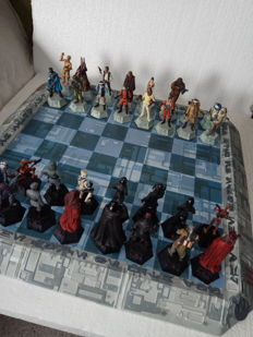 Collector's chess of star wars, exclusive edition, lead figures