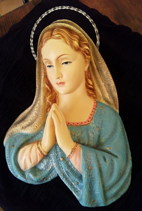 Altarpiece Virgin Mary / made in polychromed stucco in oil / origin Spain Year 1945