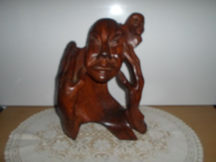Beautiful sculpture - Bust of an African man carrying a little Monkey on his shoulders - Ebony Wood - Heavy