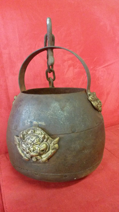 Iron pot/bucket - 18th century