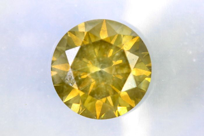 Fancy INTENSE Greenish Yellow -  1.08 ct - SI2
