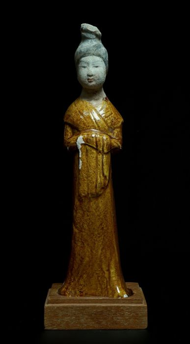 Fine Chinese Amber Glaze Female Figure - China - Tang Dynasty - 25 cm