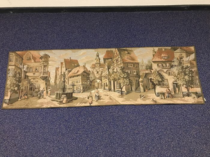 Rare French tapestry with a medieval village - delicate embroidery - Gobelin - 147 cm long - ca. 1930, Belgium