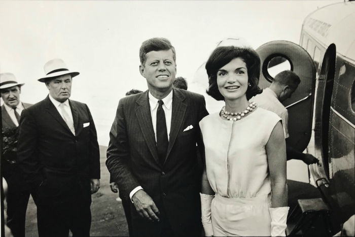 Bill Ray (1936-) - JFK and Jackie at the airport, 1960