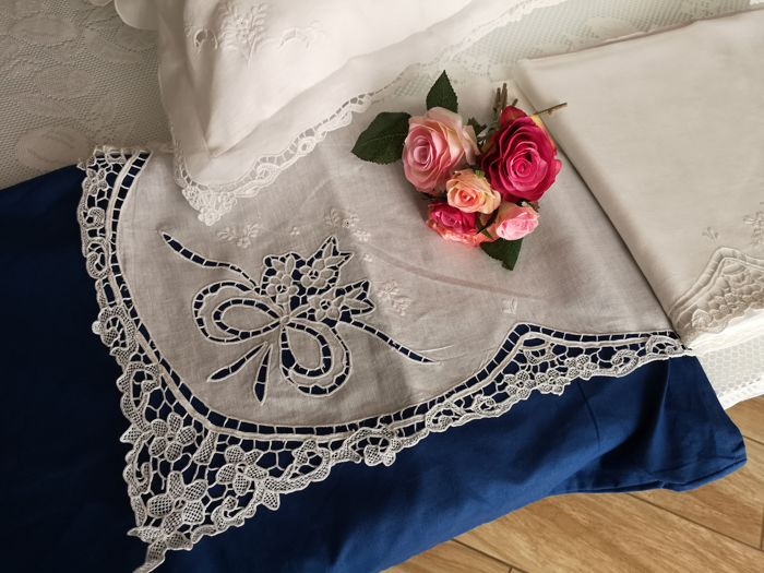 Pure 100% linen double bedsheet with handmade Burano Venice and love knot embroidery + 2 custom pillows PILLOWCASES 38 x 78 cm (OLD MEASURE)