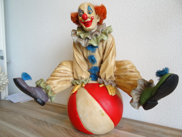 Large signed sculpture of a clown