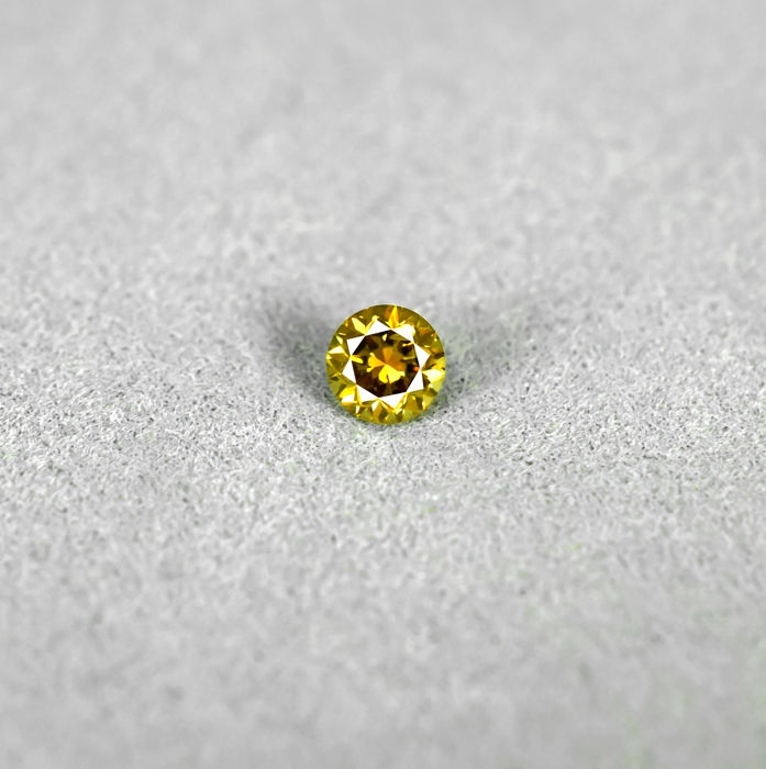 Fancy Intense Brownish Yellow Diamond . 0.22 ct, NO RESERVE PRICE - Excellent Cut