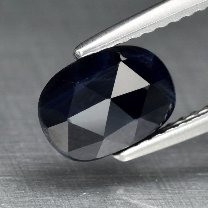 Sapphire of 1.72 ct