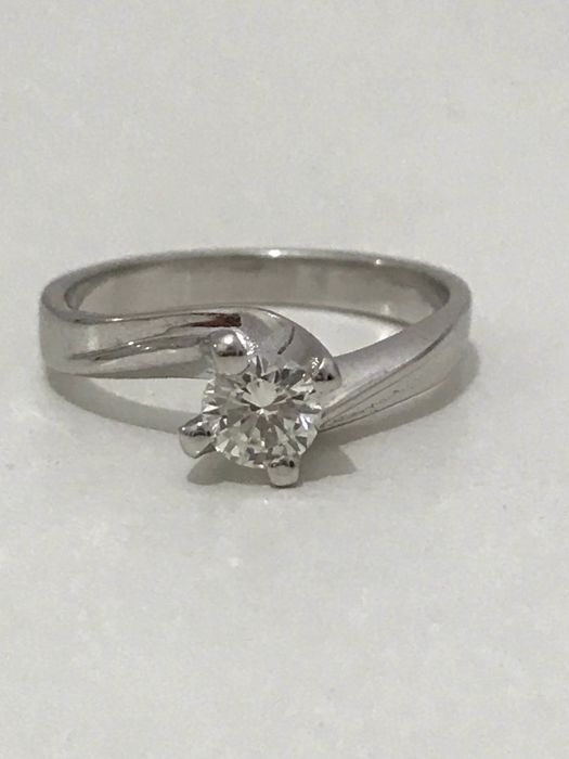 solitaire ring in 18 kt gold and brilliant cut diamonds for 0.40 ct - size 14 (IT) / 54