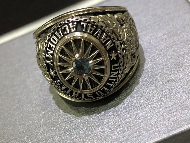 Jostens - Men's gold ring (14 kt) with diamond of 0.11 ct - Size 16