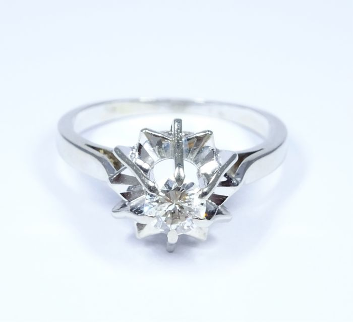 Solitaire ring 18 kt gold set with a diamond - size 51.2 / 16.3