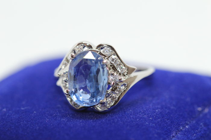 3.70 CT Sapphire and Diamond ring 14K White Gold *** NO RESERVE price ***