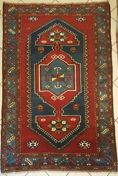 Kazak - 217 x 151 cm - late 19th century - origin: Russian Caucasian