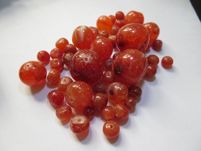 A lot of 50 beautiful Mesopotamian agate  bead - D : 5-17  mm - good for a neckles or bracelets