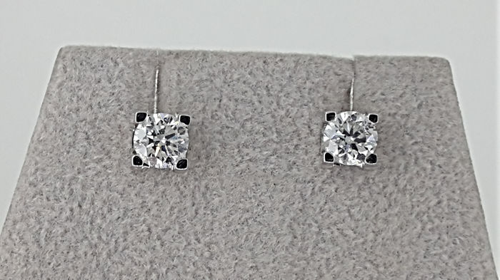 1.04 ct D/VS2 Round Diamond Stud Earrings in 18 kt White Gold *** NO RESERVE PRICE ***