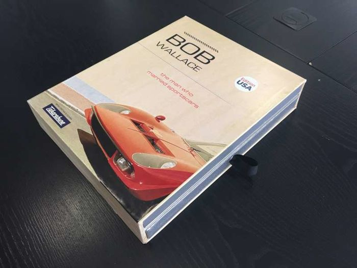 Books - Lamborghini - 2016-2016 (1 items)