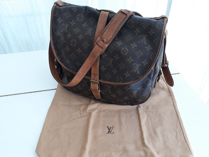 494a345b001f Louis Vuitton - Man bag - Catawiki