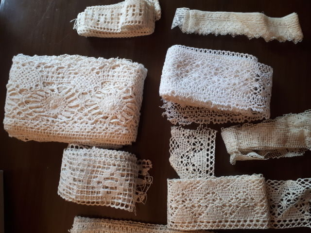 Lot of Sicilian lace and embroideries