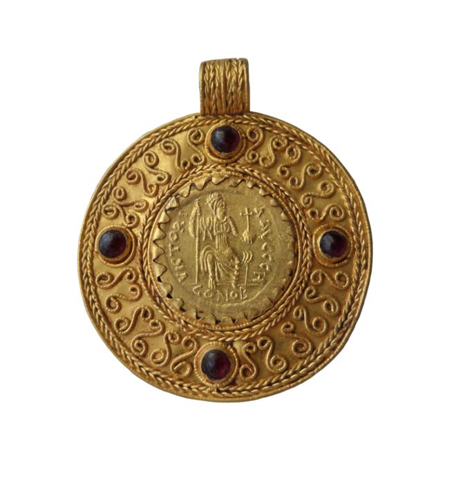 Byzantijns Goud  Medallion with Solidus of Justin II (565-578)  - 49 mm