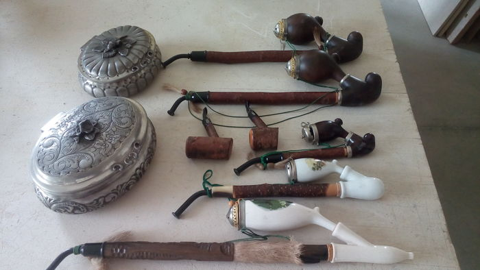Lot of 7 antique pipes + 2 pewter party favours