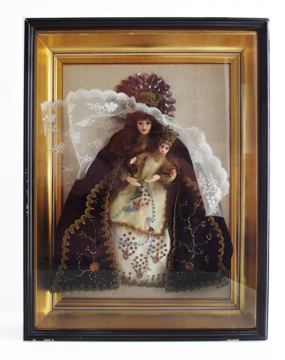 Madonna and child (figurine) in traditional dress, lace and jewels, vintage Flemish (Belgian) object framed behind glass