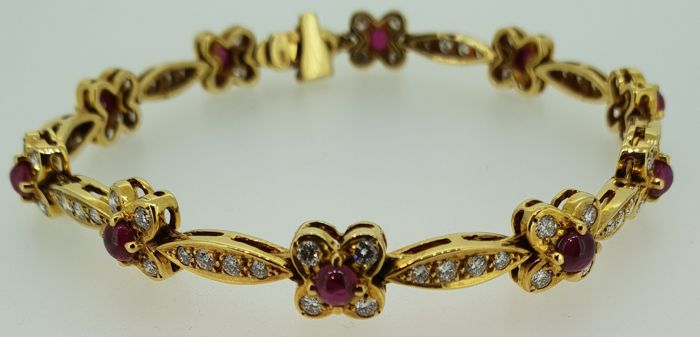 HRD certified unique handmade bracelet set with diamonds and ruby