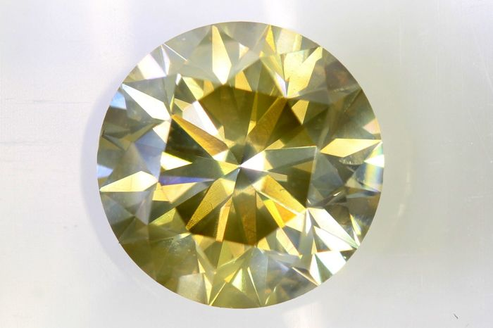 AIG Diamant - 1.90  ct - Fancy Light Yellow , SI2 - Excellent Cut