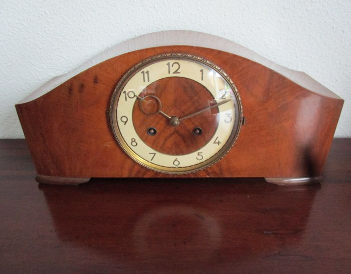 Wooden mantelpiece Mauthe clock / table clock, Germany, 1930s