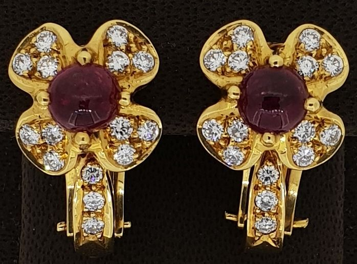 Unique handmade 18kt yellow gold earrings set with diamonds and ruby