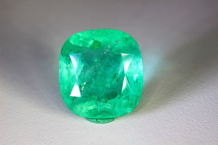 Emerald - 11.29 ct - Colombia