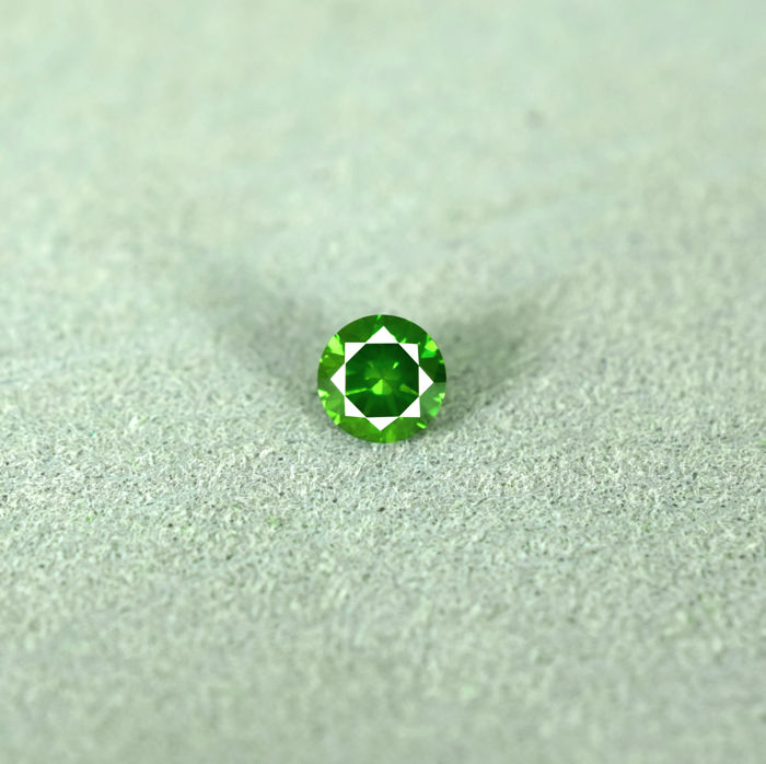 Intense Green Diamond - 0.21 ct, NO RESERVE PRICE - Excellent Cut