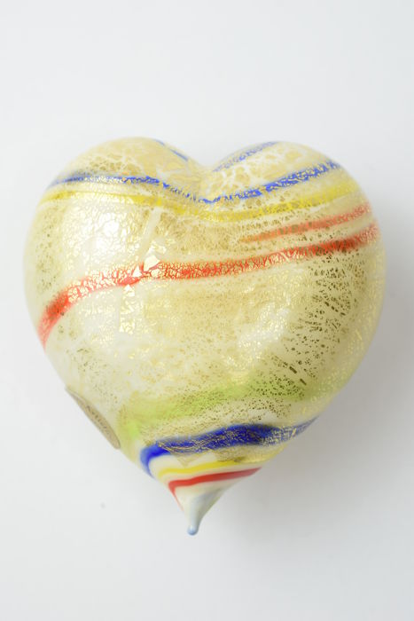 Lorenzo Ferro (Ferro Glassworks) - Gold Leaf heart paperweight