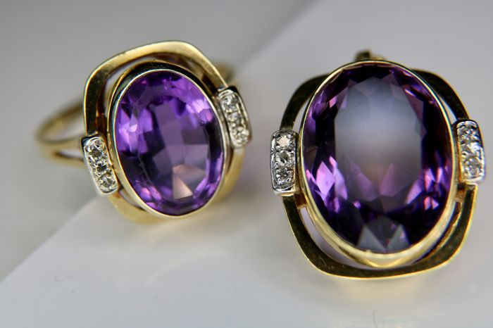 Handareid 14kt Golden Set (2pcs): Ring and pendant with natural Amethyst approx. 12.16Ct + enchanted with brilliant cut diamonds.