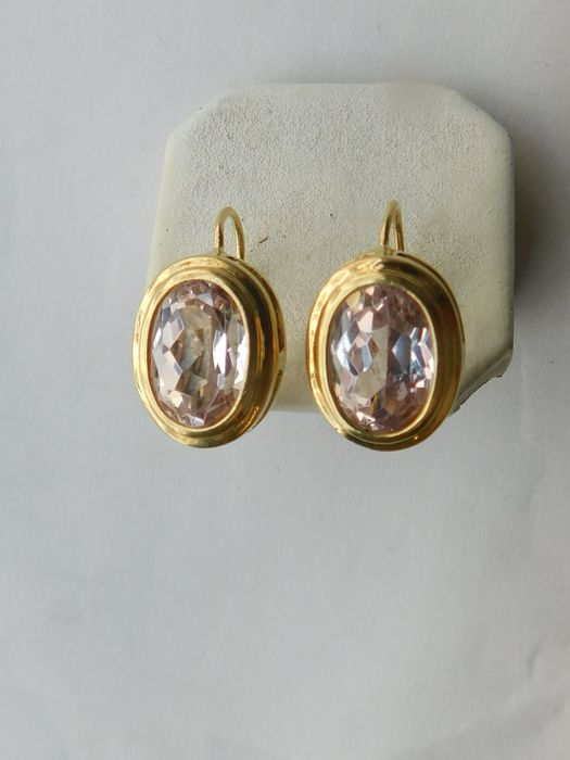 18 kt yellow gold earrings with 3 ct amethyst