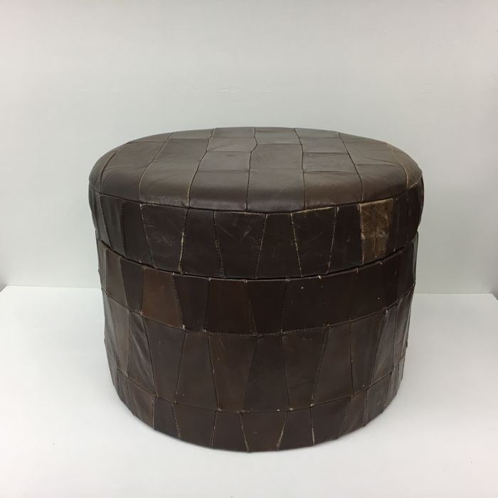 Producer unknown - vintage leather ottoman with storage compartment