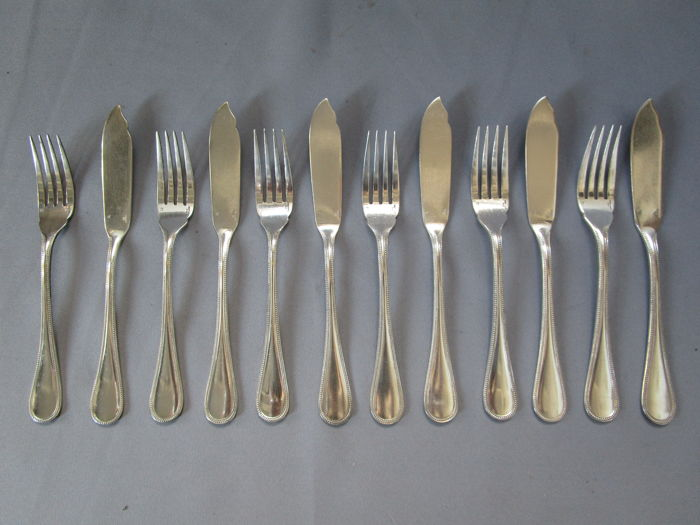 "Christofle - fish cutlery - 12 pieces - 6 persons - series ""PERLES"" - mint condition"