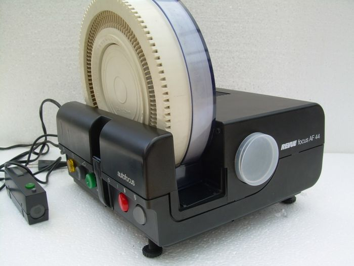 REVUE focus AF 44 slide projector with slide carousel - Catawiki 32a5042a2ea1