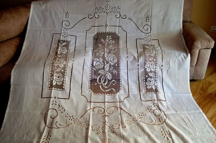Museum-like curtain in pure linen with filet and cutwork embroidery, entirely handmade