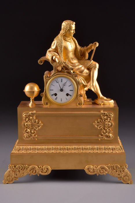 "High-quality bronze fire-gilt French mantel clock - from Napoleon III period - with image of a scientist - timepiece ""Raingo Freres Paris"" - France, 1845"