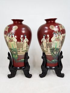 Pair of large vases in decorated lacquer (total height 126 cm) – China – Second half of the 20th century