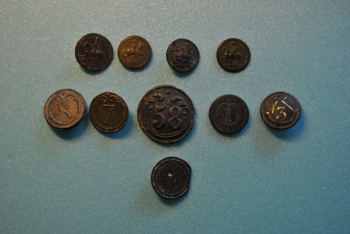 5 Uniform Buttons of the First Napoleonic Empire + 4 Uniform Buttons of the First Napoleonic Empire (Napoleon Bonaparte) + 1 Uniform Button of first French Republic