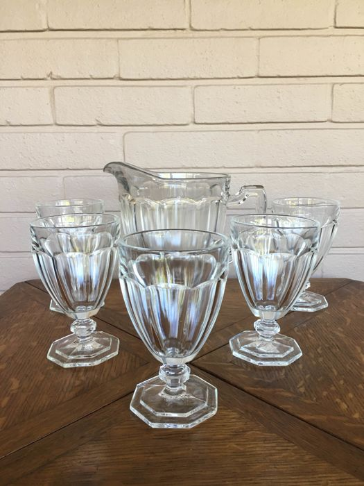 Val Saint Lambert - Luxval 'Service Asie' - five glasses with can