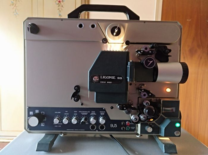 Ligonie OSM 950  9.5mm films projector - 1986