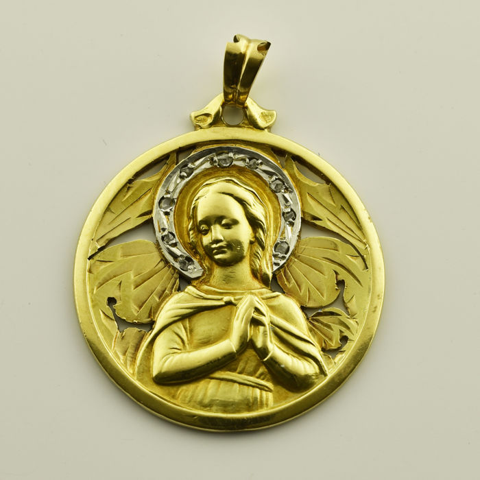 18 kt gold Religious pendant Antique cut diamond Diameter: 30 mm