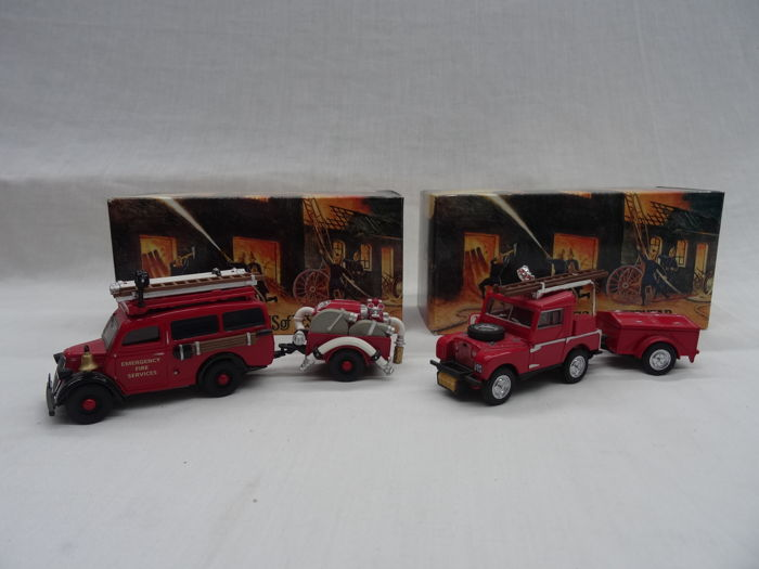 1:43 - 1952 Land Rover Auxilary & 1950 Ford E83W Van