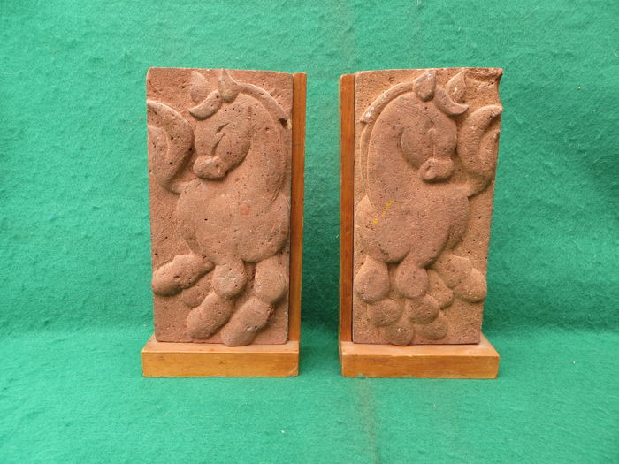 Construction ceramic - 2 red bricks with a stylised horse in relief