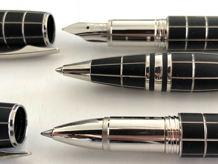 Montblanc set rubber fountain pen, ballpoint pen, roller